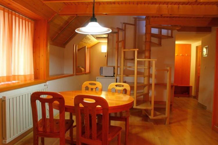 AP1jedilnica-dining_room.jpg