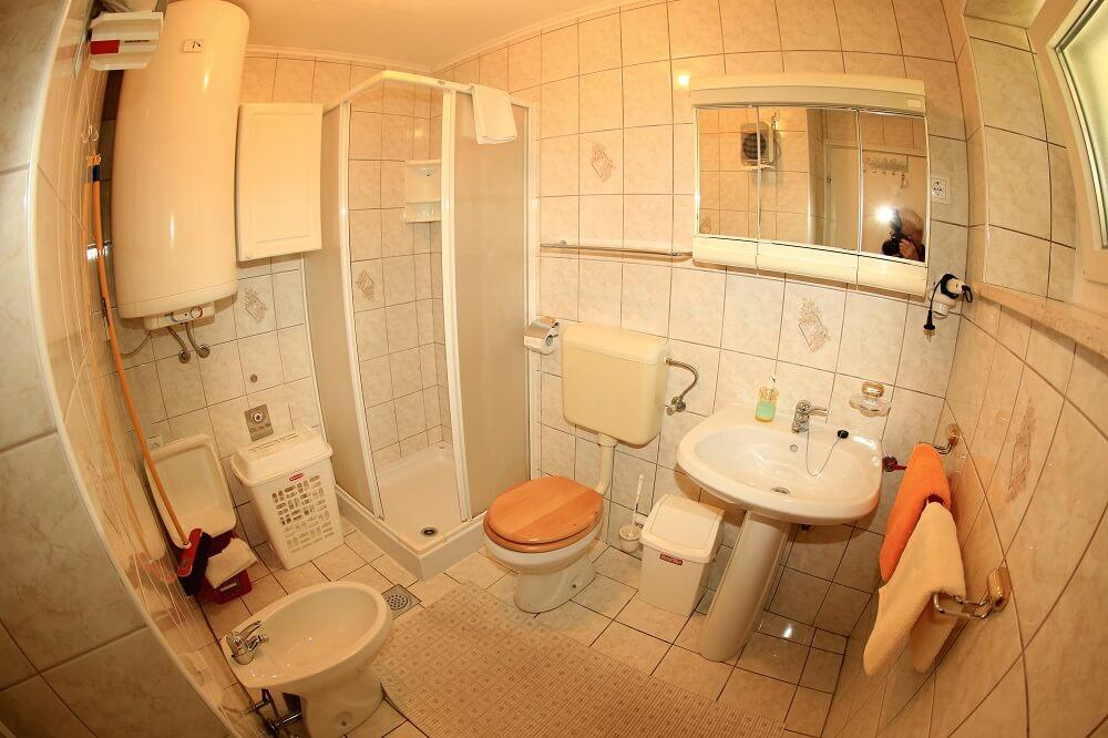 kopalnica 5 oseb